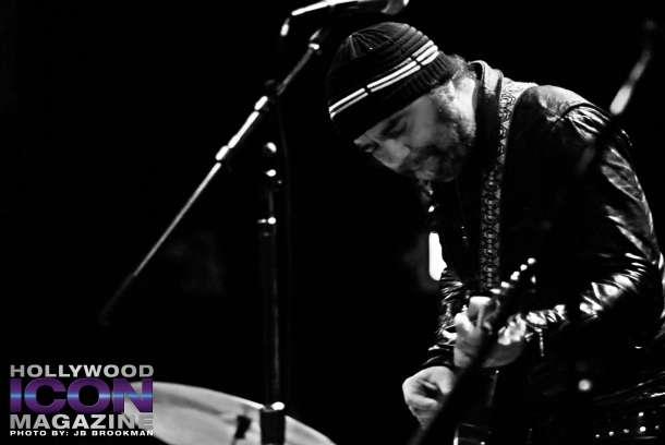 Daniel-Lanois-and-Black-Dub-El-Rey-©-2011-JB-Brookman-Photography-36fhim