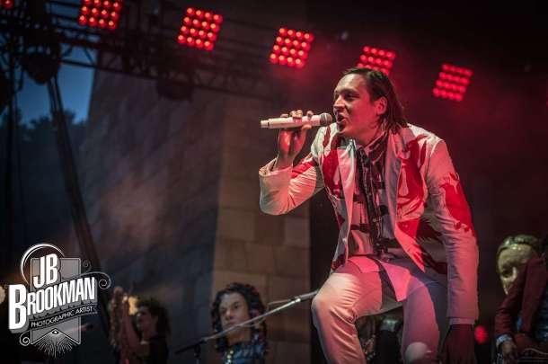 Arcade Fire at the Santa Barbara Bowl.  Photo: John David Portraits