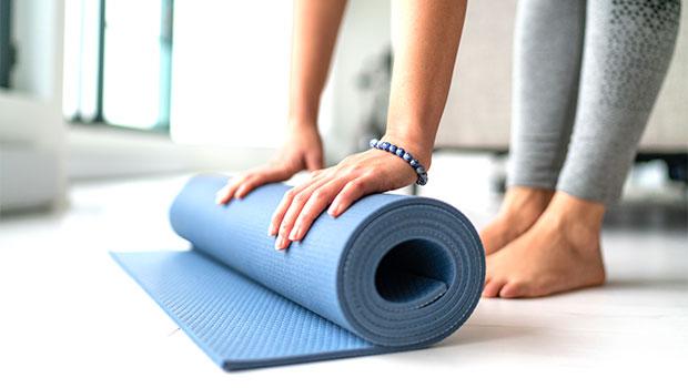 Best Yoga MatsTo Enhance Your At-Home Workouts — Shop – Gadget Clock