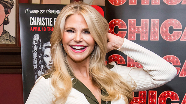 Christie Brinkley Goes 'Swimming In The Rain' On Vacation: Video – Gadget Clock