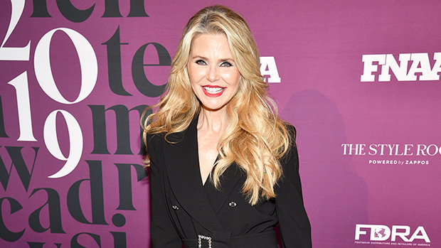 Christie Brinkley Dances By The Ocean In Strapless Swimsuit: Pics – Gadget Clock