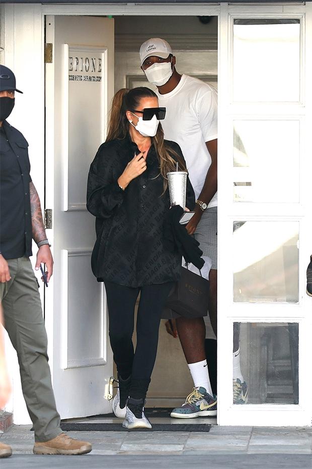 Khloe Kardashian Tells Tristan Thompson She Desires 'One ...