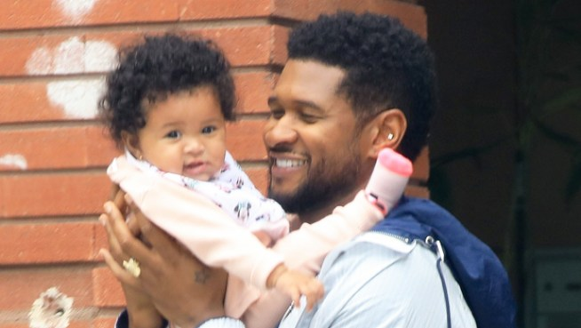 Usher Shares Rare Photo Of Daughter Sovereign Bo – Hollywood Life