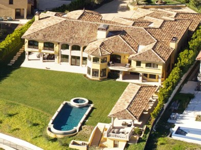 Kim Kardashian and Kanye West have reportedly splashed out nearly $11 million for this Mediterranean style mansion located in a guard gated community near Bel Air