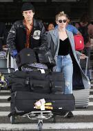 Коул и Лили прибыли в Париж