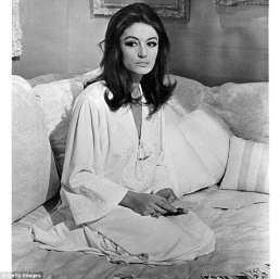 4C81821F00000578-5754277-JFK_had_requested_French_actress_Anouk_Aimee_left_who_had_simila-a-3_1526990500294