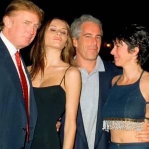 Джеффри Эпштейн повесился или его убили в тюрьме. Влиятельный педофил, торговец людьми умирает тогда, когда судебный процесс почти дотянулся до влиятельных клиентов Эпштейна- среди них Билл Клинтон, принц Эндрю и члены конгресса США.. Подробности.