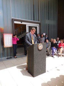 City Librarian addresses the audience. Photo courtesy of HPC