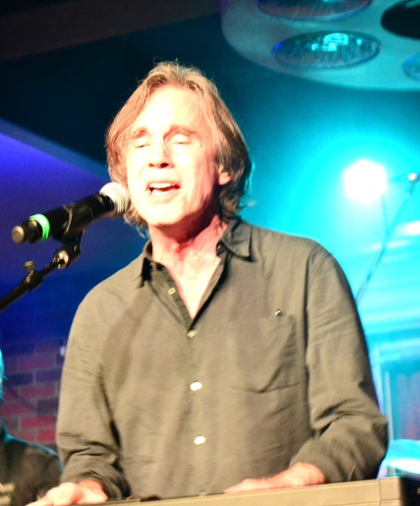 "Jackson Browne opening up with ""That Girl Could Sing"""
