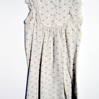 SCARY MOVIE 3: Sue's Rose Print Night Gown