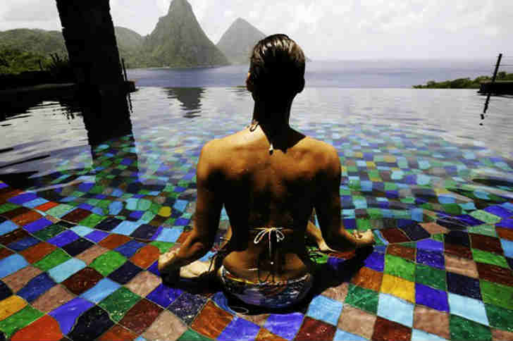 海外 美しいホテルのプール