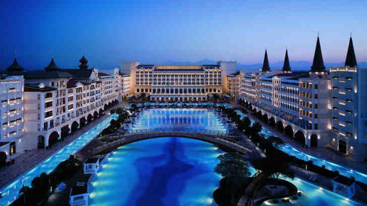 高級リゾートホテル 世界一のプール