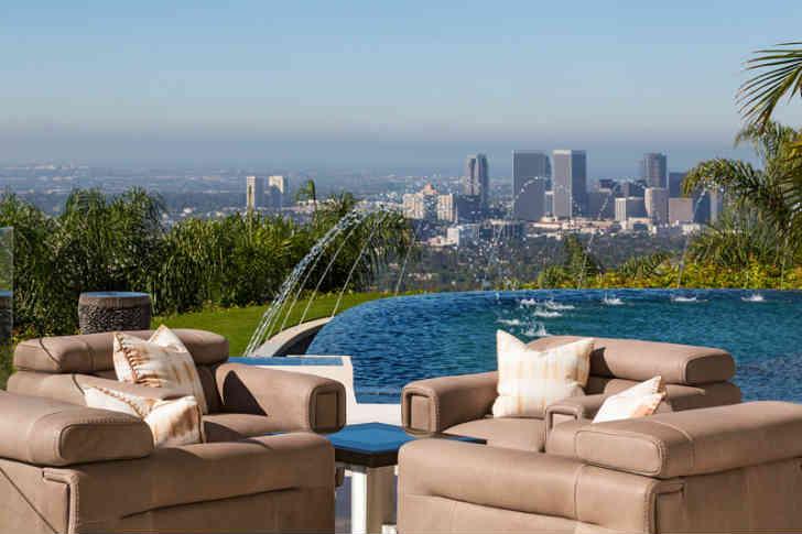 ロサンゼルス プール付き豪邸ハウス