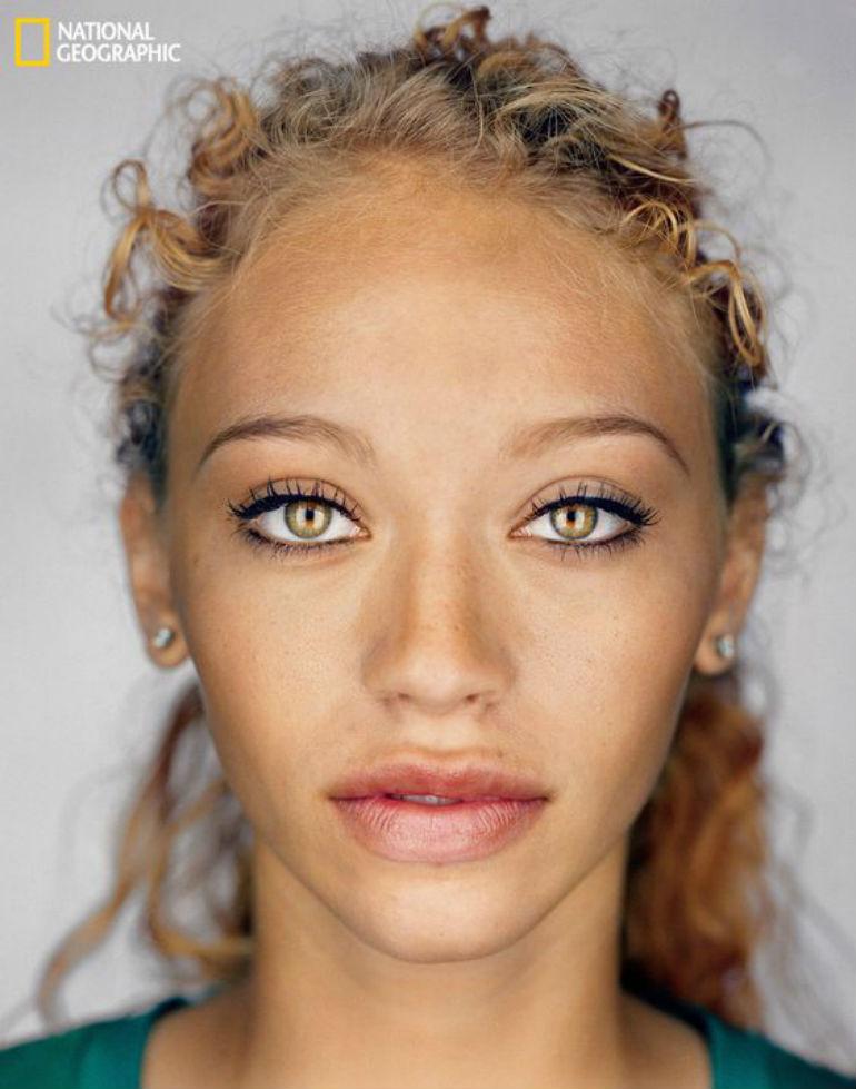 黄色の目の女性