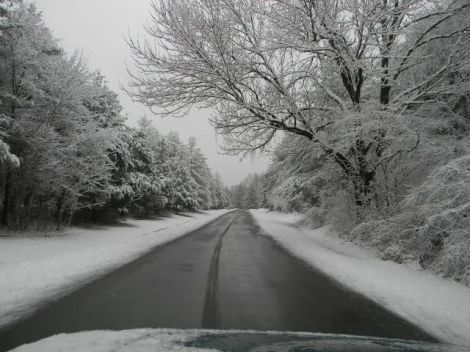 holmes bend rd in snow