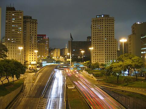 Avenidas 23 de Maio e 9 de Julho após o Ahangabaú - 11/12/2004