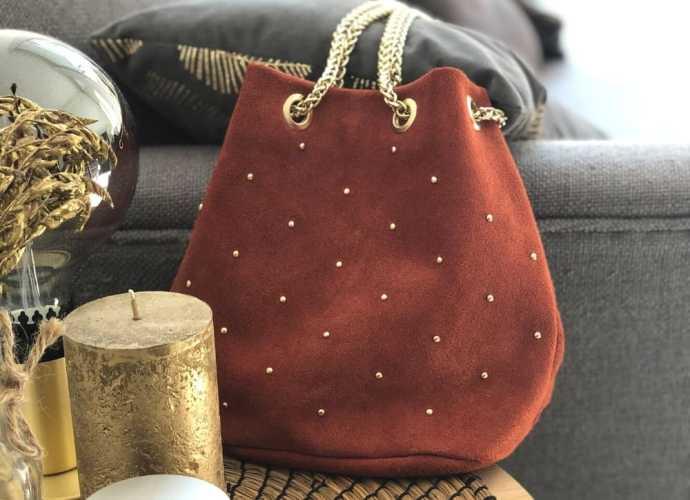 sac à main bourse en cuir rouge brique