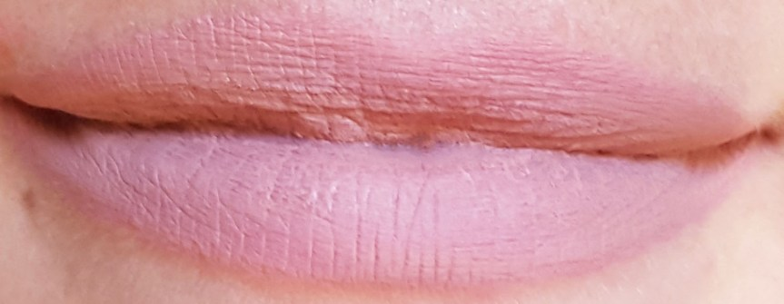 Holy-loli-lip-lingerie-nyx-lace-detail-swatch
