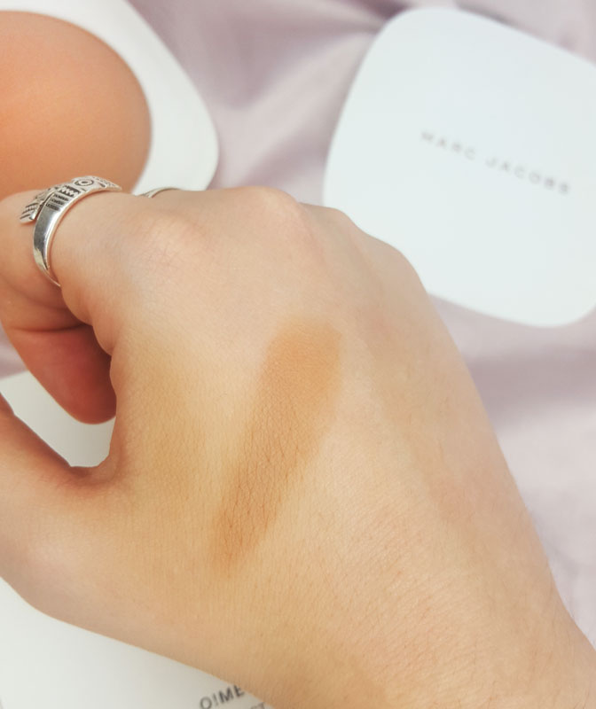 Swatch du omega bronze coconut perfect tan en teinte tan tastic 104 de Marc Jacob