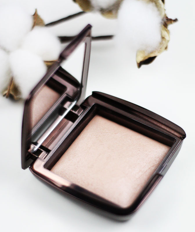 Ambient lighting powder en teinte luminous light de Hourglass