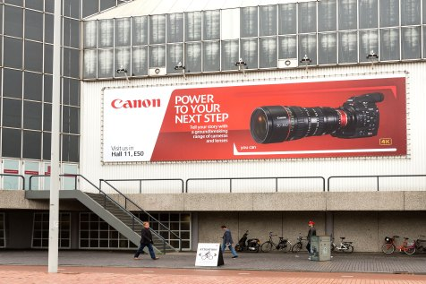 Canon-billboard-outside