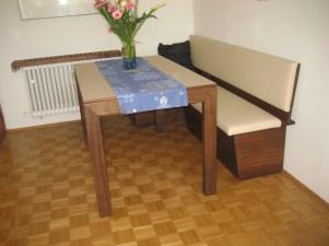 Tisch - Nuss massiv mit Linoleum beschichtete Platte