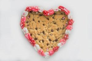 Valentines Cookie Cake | Homan at Home