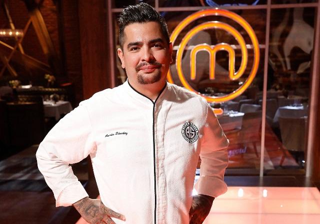 hombre1 com | HOMBRE Exclusive: Chef AARÓN SÁNCHEZ Brings Latin