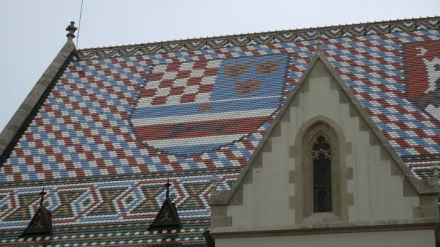 Detalle del techo de la iglesia de Sv. Marka o San Marcos en Zagreb