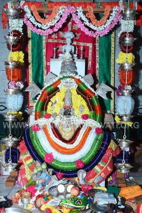 Hombuja-Jain-Math-Humcha-Navarathri-Dasara-Celebrations-Pooja-Day-06-0005