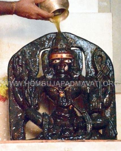 Akshayatritiya-Pooja-Humcha-Hombuja-Jain-Math-18th-April-2018-0013