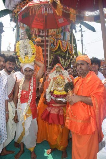 Hombuja-Humcha-Jain-Math-Rathyatra-0005