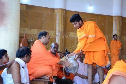 Humcha-Hombuja-Jain-Math-Rathotsava-Day-05-Guddada-Basadi-Parshwanath-Tirthankar-Abhisheka-0009