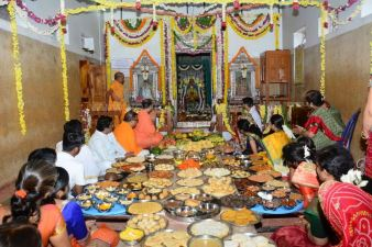 Hombuja_2018_Shravanamasa_Pooja_2nd_Friday_24-8-2018_0011