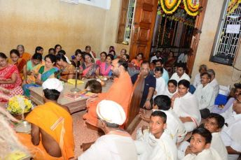 Navaratri-Dasara-Hombuja-Humcha-Jain-Math-2018-Day-01-0019