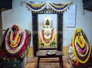 Navaratri-Dasara-Hombuja-Humcha-Jain-Math-2018-Day-04-0002