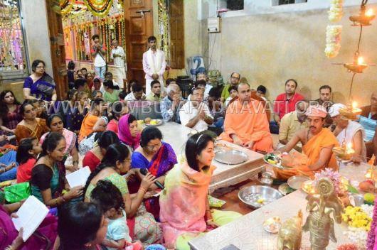 Navaratri-Dasara-Hombuja-Humcha-Jain-Math-2018-Day-04-0016