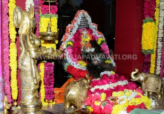 Navaratri-Dasara-Hombuja-Humcha-Jain-Math-2018-Day-05-0016