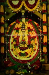 Navaratri-Dasara-Hombuja-Humcha-Jain-Math-2018-Day-07-0029