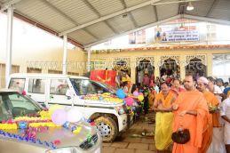 Navaratri-Dasara-Hombuja-Humcha-Jain-Math-2018-Day-09-0008