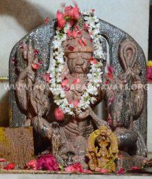 Navaratri-Dasara-Hombuja-Humcha-Jain-Math-2018-Day-10-0005