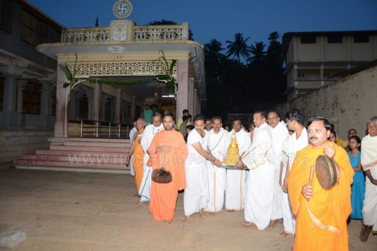 Hombuja-Humcha-Jain-Math-Deepawali-Mahavir-Mokshakalyana-Pooja-2018-0001