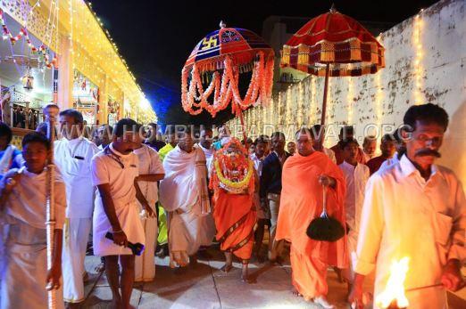 Hombuja-Humcha-Jain-Math-Parshwanath-Padmavati-Laksha-Deepotsava-2018-Day-03-0020