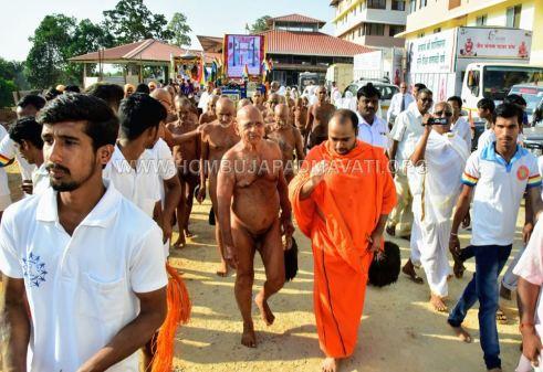Acharya-Shanthisagar-Maharaj-Diksha-Shatamanotsava-Procession-Function-Aradhane-Humcha-Hombuja-Jain-Math-0001