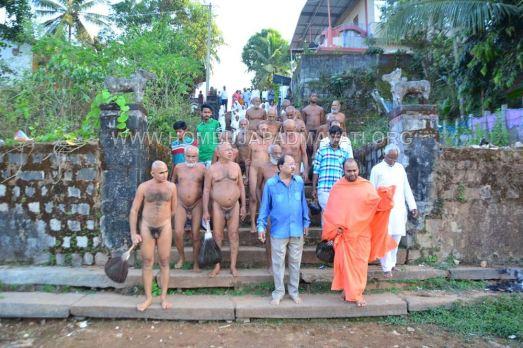 Acharya-Vardhamansagarji-Maharaj-Hombuja-Jain-Temples-Darshan-0014