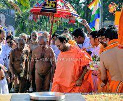 Acharya-Vardhamansagarji-Maharaj-Muni-Sangh-Hombuja-Jain-Math-Mangala-Pravesha-0006