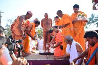 Acharya-Vardhamansagarji-Maharaj-Muni-Sangh-Hombuja-Jain-Math-Mangala-Pravesha-0009