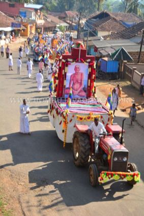 Acharya-Vardhamansagarji-Maharaj-Muni-Sangh-Hombuja-Jain-Math-Mangala-Pravesha-0016