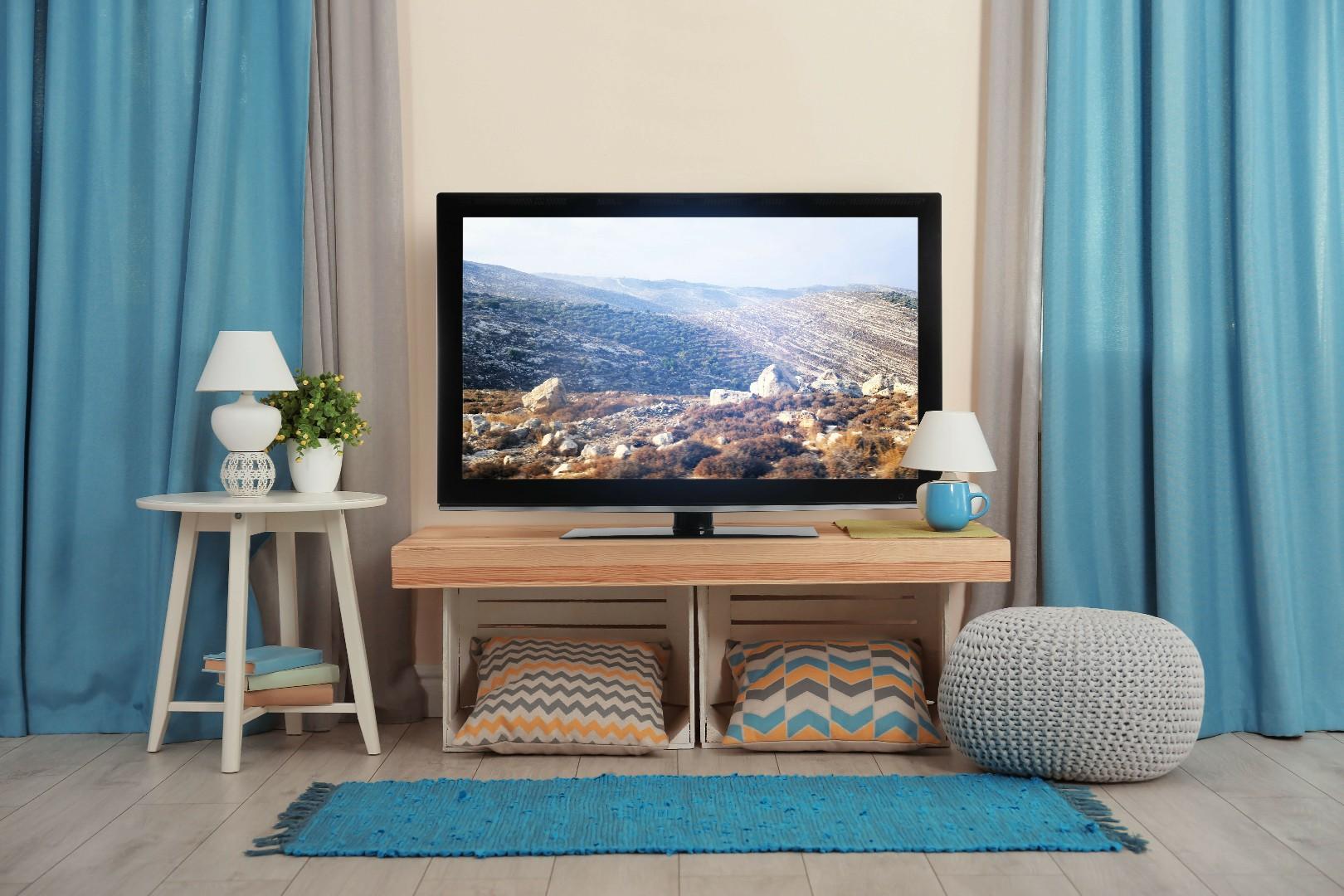 au mur ou sur un meuble tv