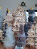 Sapins décoratifs en tulle et en papier musique